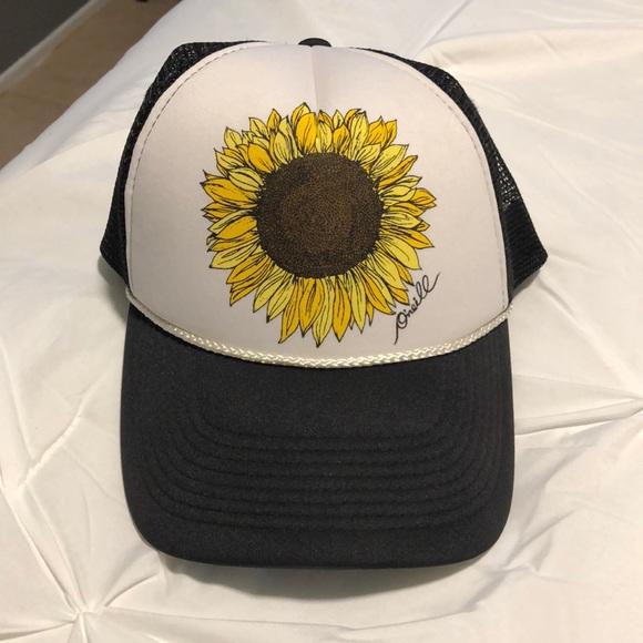 64682d3da O'Neil hat